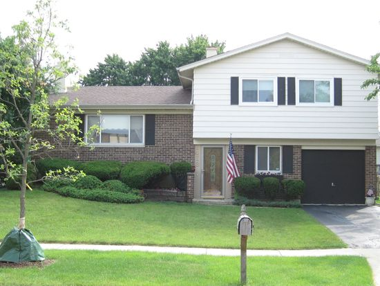 1413 Armstrong Ln, Elk Grove Village, IL 60007