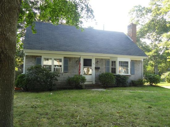 49 Crooked Pond Rd, Hyannis, MA 02601