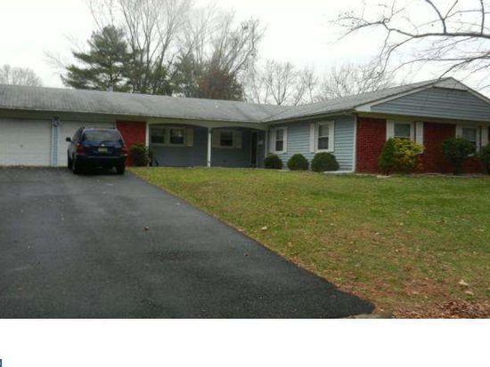 8 Tidewater Ln, Willingboro, NJ 08046