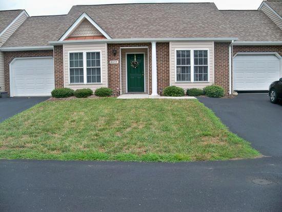 8633 S Bend Dr, Roanoke, VA 24019