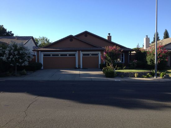 489 River Oaks Dr, Yuba City, CA 95991