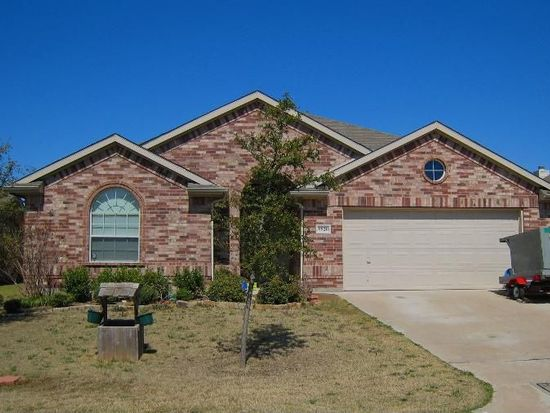 5520 Post Ridge Dr, Fort Worth, TX 76123
