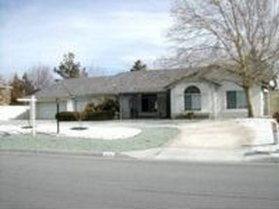 12739 Yorkshire Dr, Apple Valley, CA 92308
