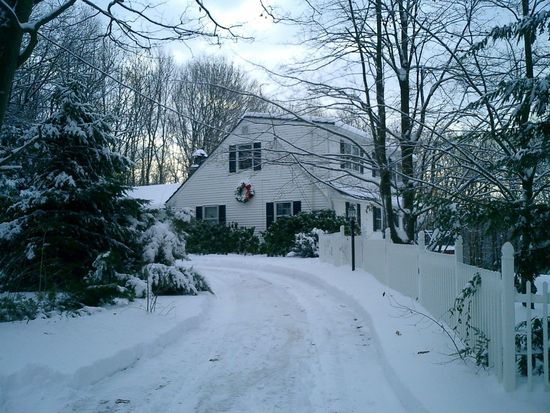 4 Pine Ave, Cherry Valley, MA 01611
