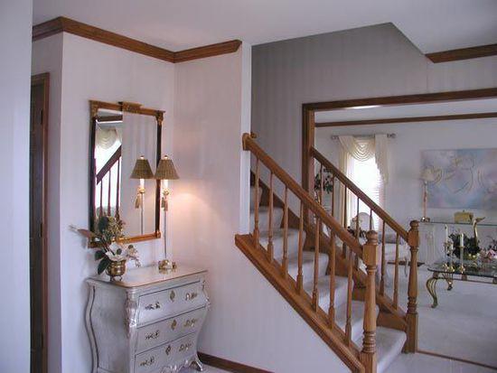 1434 W Briarcliff Rd, Bolingbrook, IL 60490
