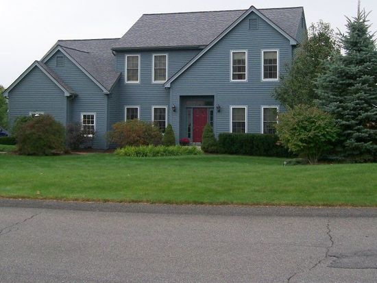 8 Hunters Run Blvd, Cohoes, NY 12047