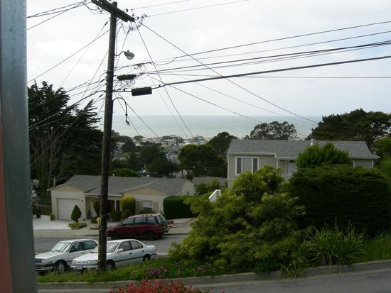 15 Cragmont Ct, Pacifica, CA 94044