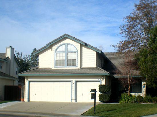 977 Arlington Cir, Woodland, CA 95695