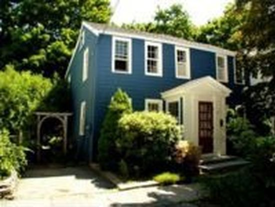 12 Eagle St, Newburyport, MA 01950