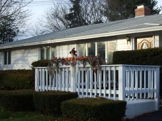 3 Exeter Rd, Beverly, MA 01915