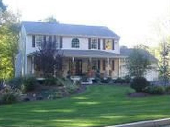 1845 Phenix Ave, Cranston, RI 02921