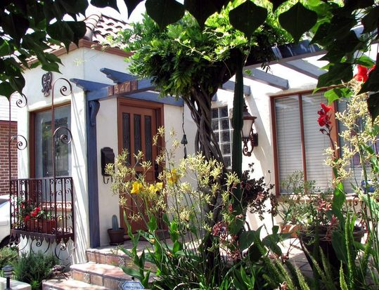 347 N Fairview St, Burbank, CA 91505
