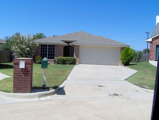 4013 Heritage Way Dr, Fort Worth, TX 76137