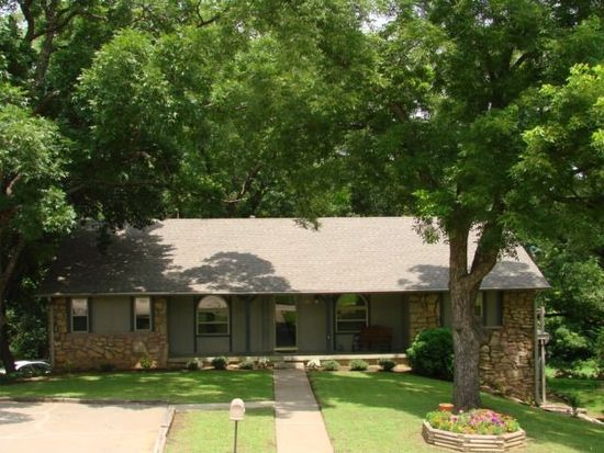 1918 Valley View Dr, Claremore, OK 74017