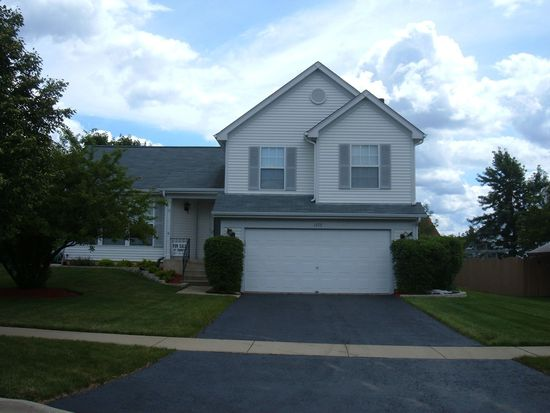 1773 Copperfield Ln, Crystal Lake, IL 60014