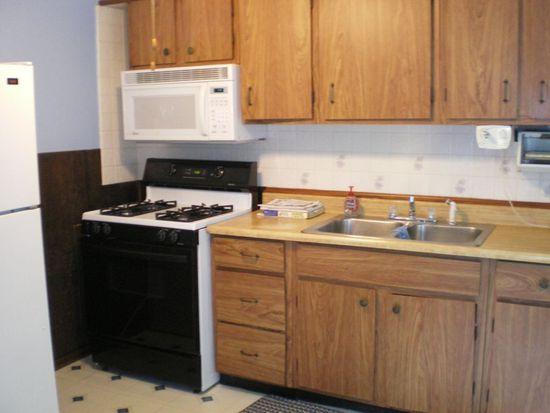 1323 Waverly Rd, Eastlake, OH 44095