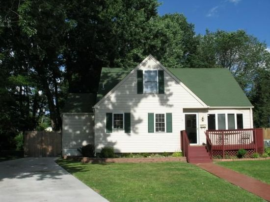 5 Barberry Ln, Mount Holly, NJ 08060