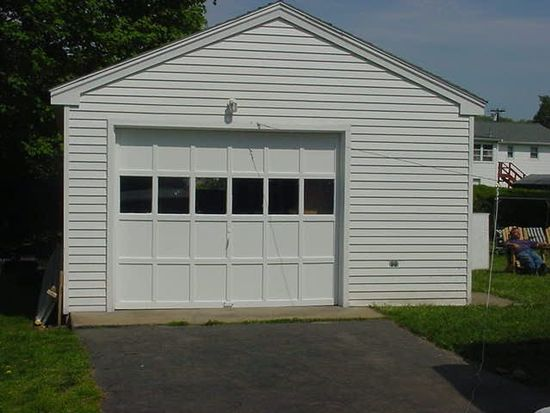 299 Ring Dr, Groton, CT 06340