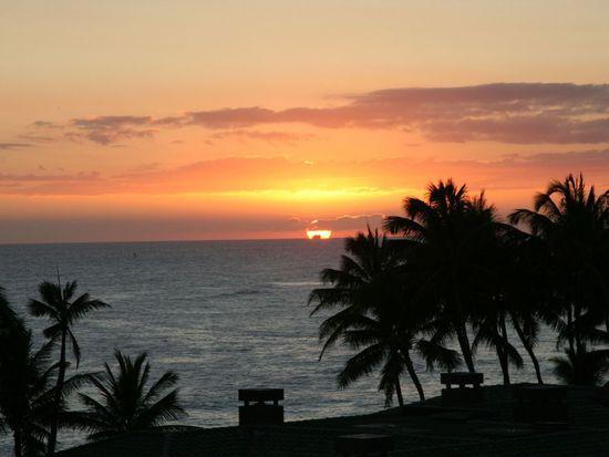 4221 Kaikoo Pl, Honolulu, HI 96816