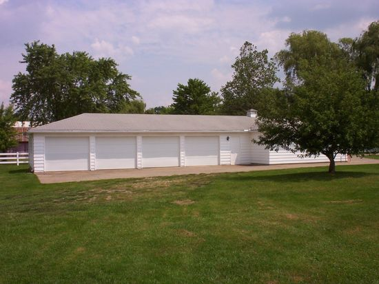 220 Substation Rd, Brunswick, OH 44212