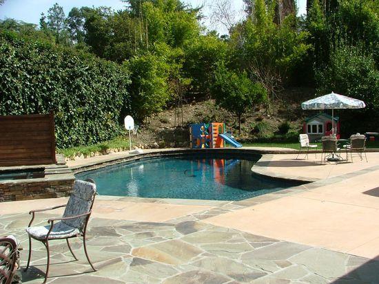 5004 Oakdale Ave, Woodland Hills, CA 91364