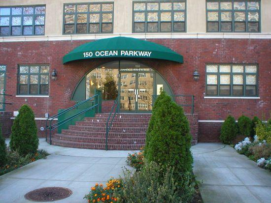150 Ocean Pkwy APT 3A, Brooklyn, NY 11218