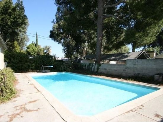 6652 Gentry Ave, North Hollywood, CA 91606