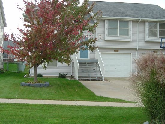 2132 14th St, Coralville, IA 52241
