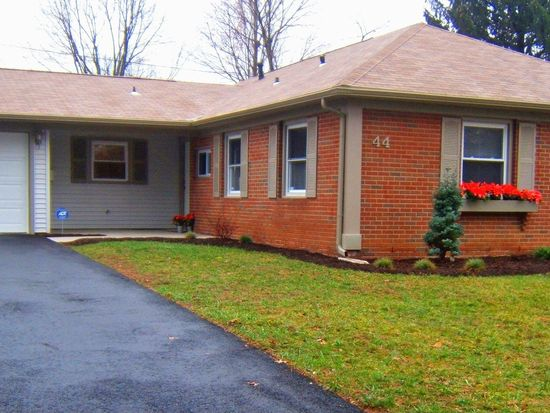 44 Mayapple Ln, Willingboro, NJ 08046