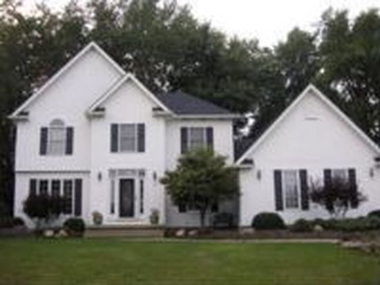 723 Olde Orchard Dr, Tallmadge, OH 44278