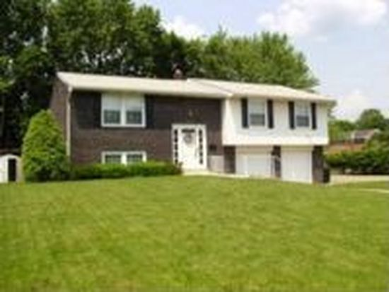 1204 Old Meadow Rd, Pittsburgh, PA 15241