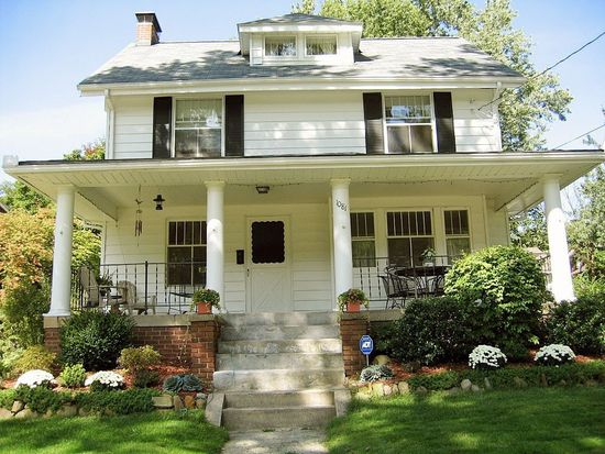 1081 Emma Ave, Akron, OH 44302