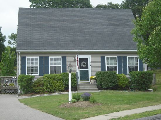 23 Celestial Heights Dr, South Kingstown, RI 02879