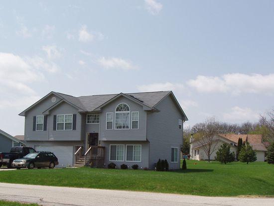 101 Chatham Ct SW, Poplar Grove, IL 61065