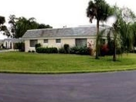 6 Plaza Ct, Lehigh Acres, FL 33936