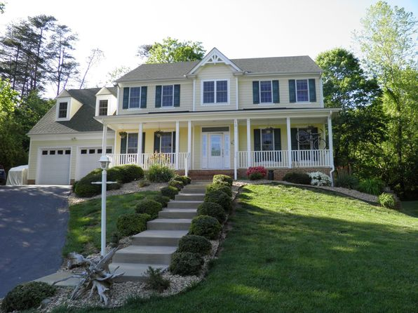 4 bed 5 bath Single Family at 1250 Raintree Dr Charlottesville, VA, 22901 is for sale at 589k - 1 of 20