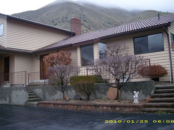 5 bed 4 bath Single Family at 2020 Center Court Dr Wenatchee, WA, 98801 is for sale at 440k - google static map