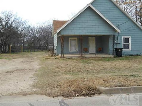 2 bed 1 bath Single Family at 809 N Robinson St Cleburne, TX, 76031 is for sale at 60k - 1 of 13
