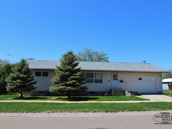 3 bed 1 bath Single Family at 801 Knight St Miles City, MT, 59301 is for sale at 168k - 1 of 17