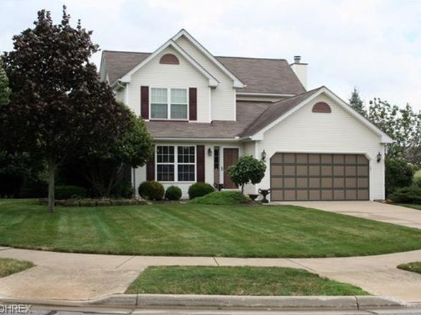 3 bed 3 bath Single Family at 707 Hearthstone Cir Akron, OH, 44320 is for sale at 225k - 1 of 13