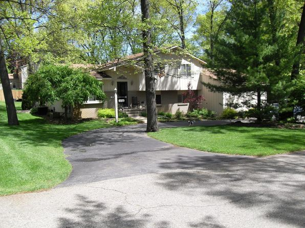 3 bed 3 bath Single Family at 1502 Carthage Commerce Township, MI, 48382 is for sale at 270k - 1 of 12