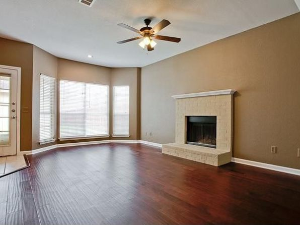 3 bed 3 bath null at 2023 Greenview Dr Carrollton, TX, 75010 is for sale at 240k - 1 of 55