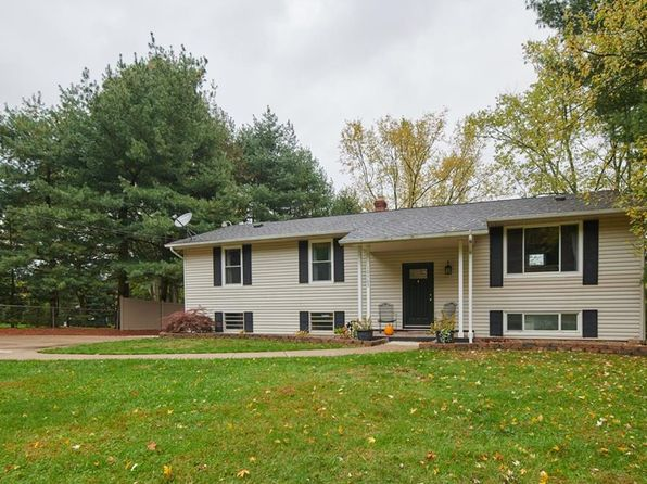 3 bed 3 bath Single Family at 10705 Scatell St NW Canal Fulton, OH, 44614 is for sale at 160k - 1 of 27