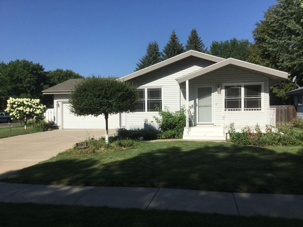 4 bed 2 bath Single Family at 1720 S 3rd St Bismarck, ND, 58504 is for sale at 269k - 1 of 77