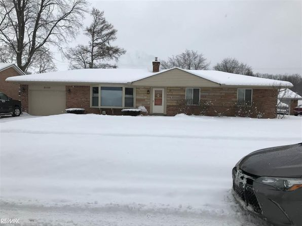 3 bed 1.5 bath Single Family at 25150 SAINT CHRISTOPHER ST HARRISON TOWNSHIP, MI, 48045 is for sale at 235k - 1 of 36
