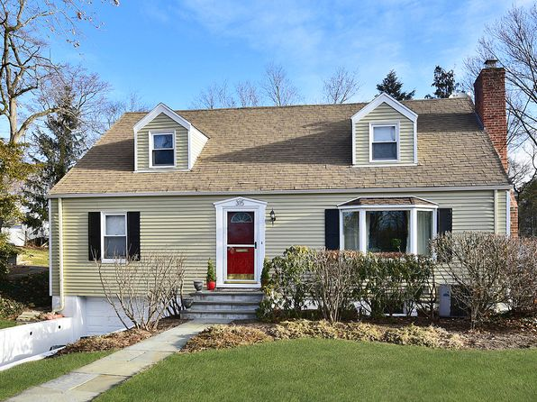 4 bed 2 bath Single Family at 315 Florence St Mamaroneck, NY, 10543 is for sale at 799k - 1 of 25