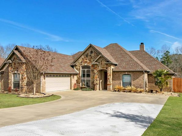 4 bed 3 bath Single Family at 200 Towering Oaks Ln Longview, TX, 75602 is for sale at 265k - 1 of 20
