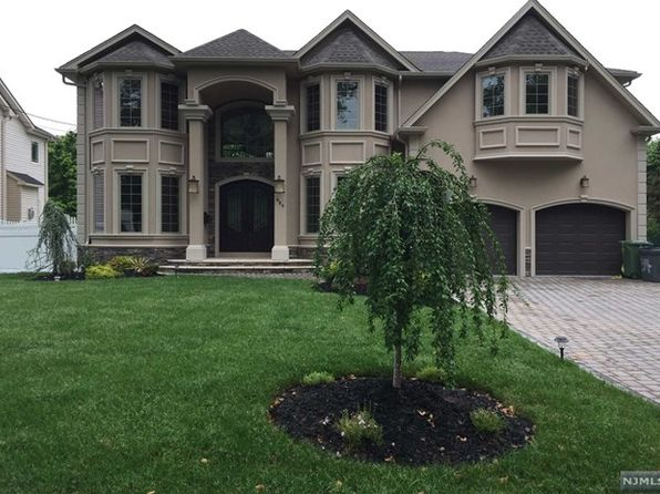 5 bed 5.5 bath Single Family at 80 Birchwood Rd Paramus, NJ, 07652 is for sale at 1.39m - 1 of 10