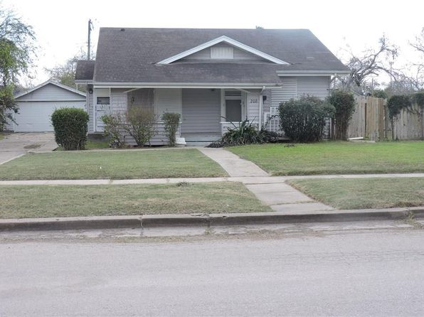 3 bed 2 bath Single Family at 208 E Avenue D Robstown, TX, 78380 is for sale at 70k - 1 of 19