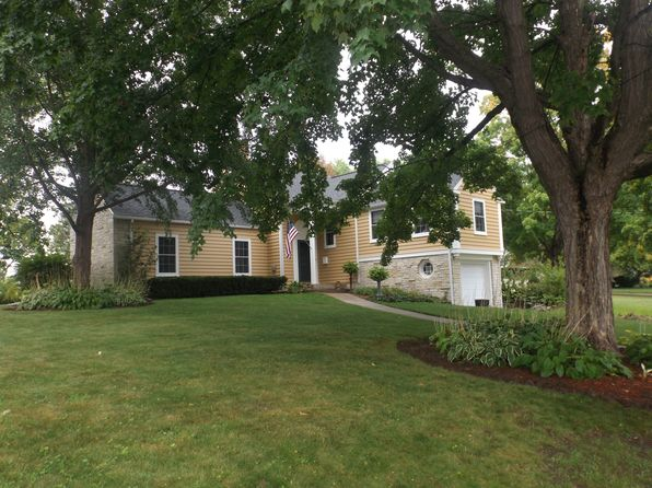 5 bed 4 bath Single Family at 910 S Charles St Columbus, WI, 53925 is for sale at 278k - 1 of 9